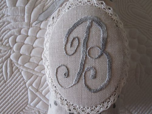 A09 broderie