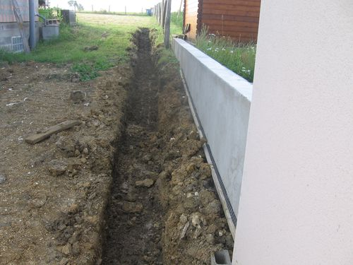 Amenagement exterieur autoconstruction maison basse - Bache anti rhizome ...