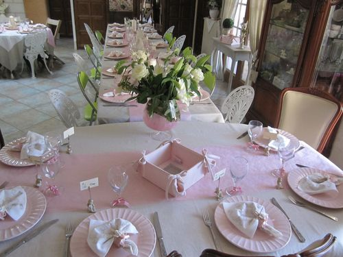 decoration de table pour une communion fille