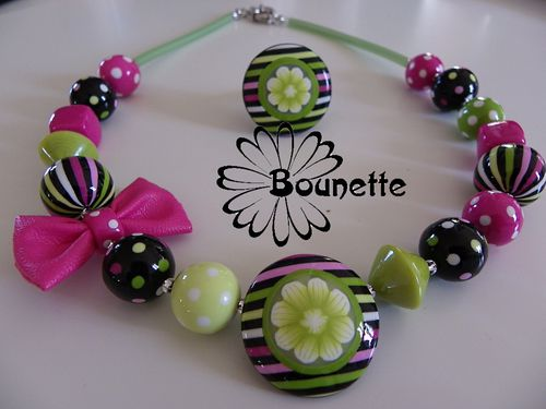 collier-court-noeud-simili-fuschia-2.jpg