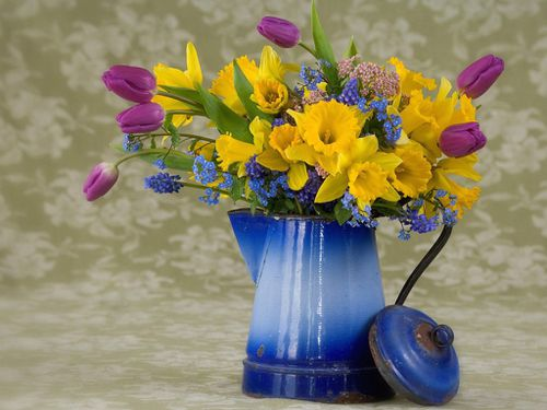 Summer bouquet Narcissuses and tulips