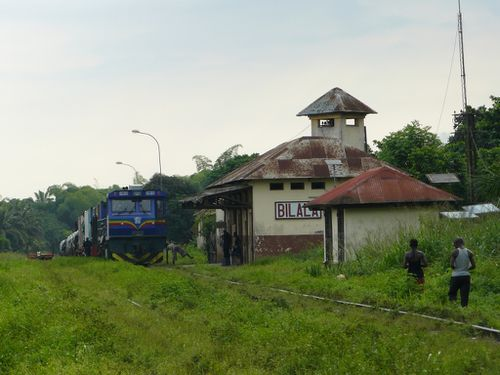 mayombe-bilala-train-gare