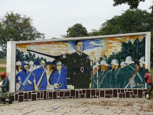 brazza-square-gaulle-fresque-1940