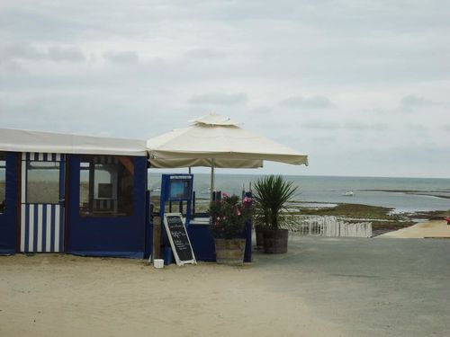4e68726304fe3Aux-Freres-de-la-Cote-Restaurant-Bar-Guinguet.jpeg