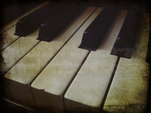 ___Old_Piano____by_kaze_ai.jpg