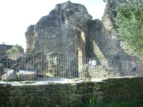 Sirmione grotte 2