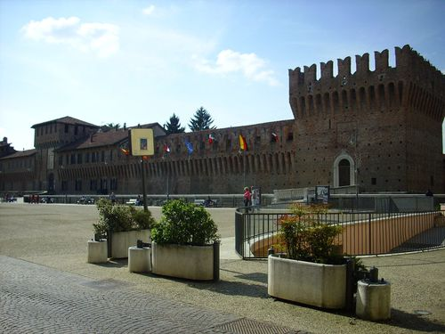 Castello Galliate2