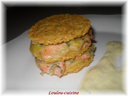 galettes-de-riz-en-millefeuilles-aux-poireaux-et-saumon.jpg