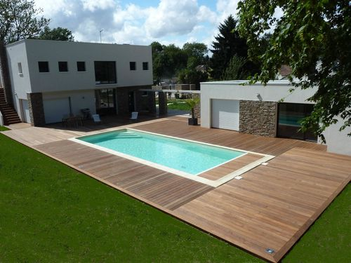 terrasse en bois a feucherolles autour d 39 une piscine. Black Bedroom Furniture Sets. Home Design Ideas