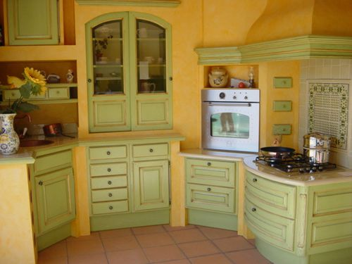 cuisine provencale verte et jaune exposee a blaye cuisines crozes 156 av d albi blaye les mines. Black Bedroom Furniture Sets. Home Design Ideas