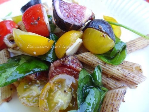 Salade-penne-figues-tomates-parmesan-tapenade-ok.JPG