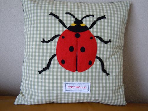 Coussin-coccinelle.JPG