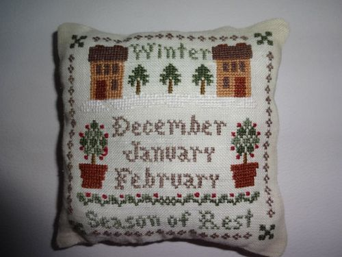 Winter_Pincushion_Exchange_per_Ely--2-.JPG