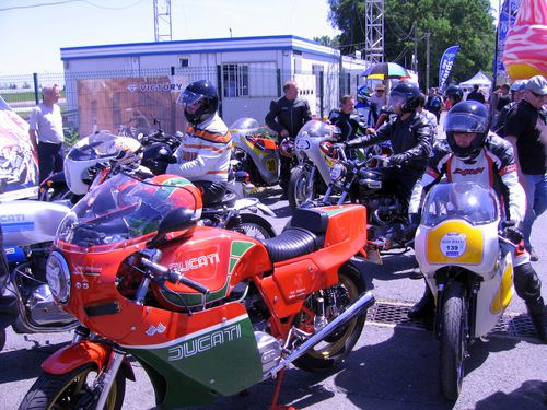 IRON-BIKERS-2011-Paddocks 1390