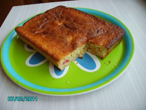 Gâteau Tutti frutti coupé