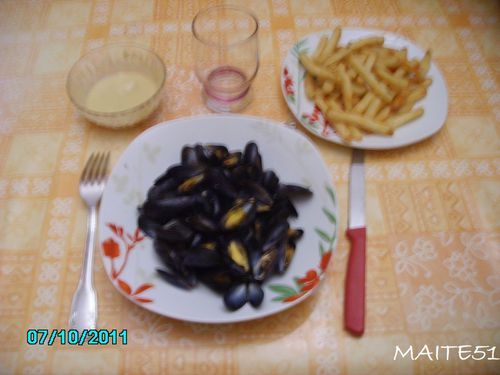 Moules-marinieres-et-frites.JPG