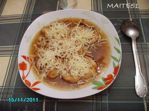Soupe-a-l-Oignon-gratinee-15-11-2011.JPG