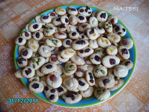 Petits-Fours-amandes-31-12-2011.JPG
