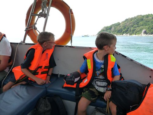 2-Perhentian Kecil-Speed boat