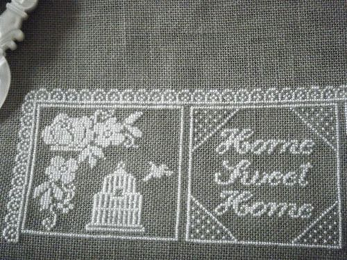 armoire broderie 010