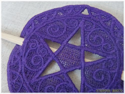 coffinrock-pentaclecheveux-violetnoir-2.jpg