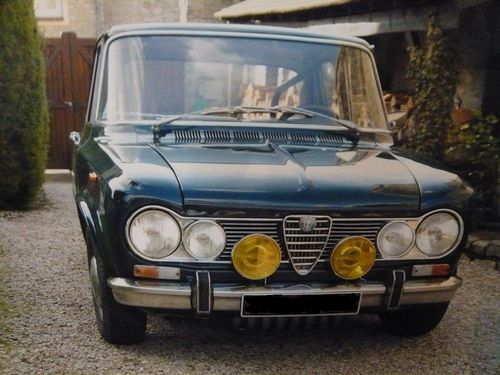 1968 alfa romeo giulia berlina les soupapes avignonnaises. Black Bedroom Furniture Sets. Home Design Ideas