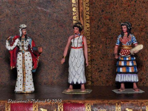 figurines_femmes_du_monde_2.jpg