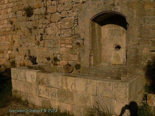 provence forcalqueiret chateau fontaine