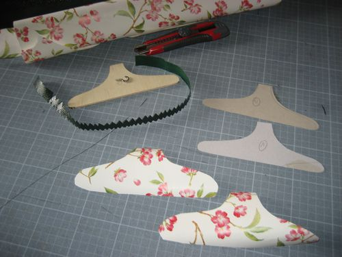Garde-robe-pour-poupee-HTSY 5701