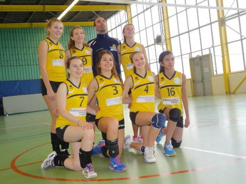Minimes-Filles_AS-Villebon-Volley-bal.jpg