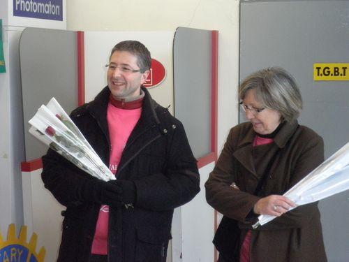2010 - fevr -Opération Quanta - vente de roses3 020