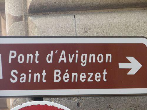 2011.04.12-Avignon---Direction-Pont-ST-Benezet.jpg