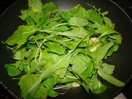 Recette du souffl aux fanes de radis de part et d 39 autre - Quand cueillir les radis ...