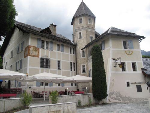 Le Château de Villa, l'oenothèque est sous la tour