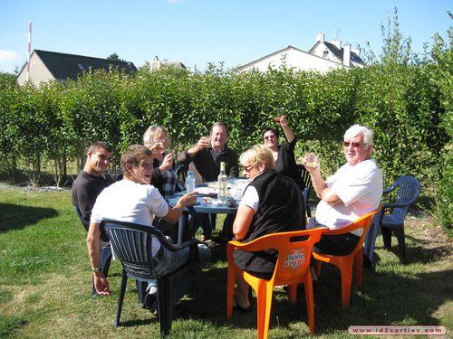 aperitif-entre-amis-au-varlen-camping-le-varlen-7110173819.JPG