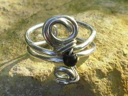 bague-alu-perle-noire.JPG