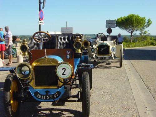 2 voitures à Duras