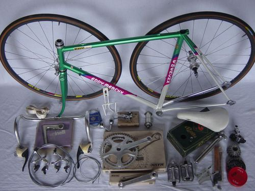 velo-Merckx-en-pieces-3.jpg