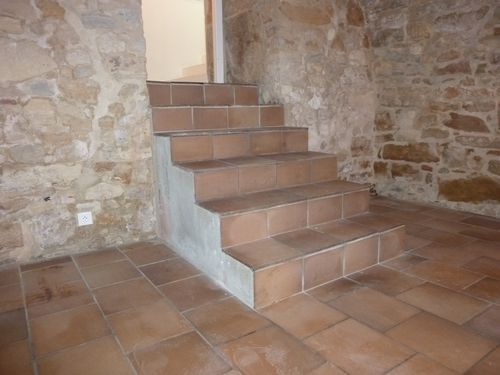R novation d 39 un escalier atelier la toupie 06 50 96 84 62 for Carreler un escalier exterieur en beton