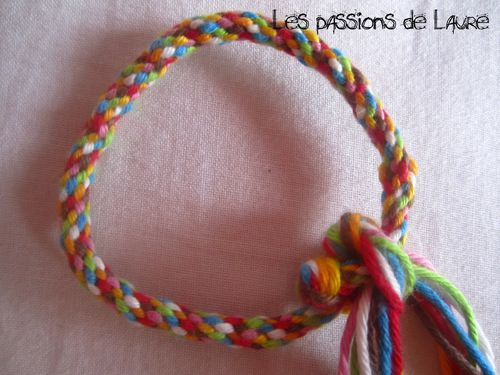 Bracelet technique kumihimo