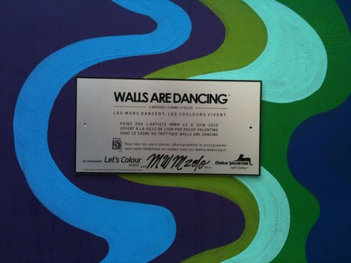 walls-are-dancing-datamatrix2.jpg