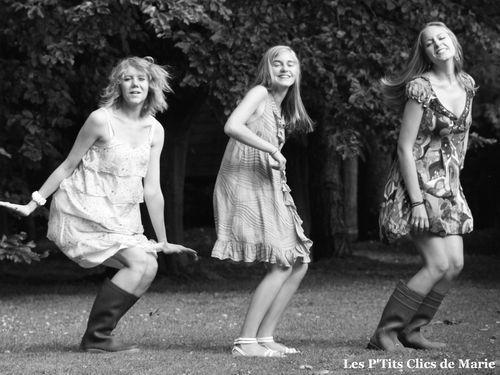3-filles-dans-le-vent 1330