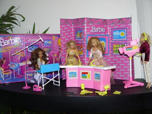studio-tv-barbies.jpg