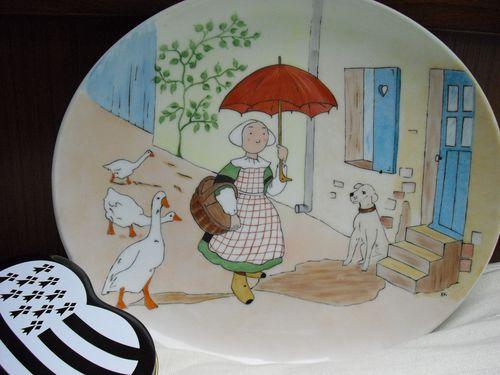 Bécassine et son joli parapluie