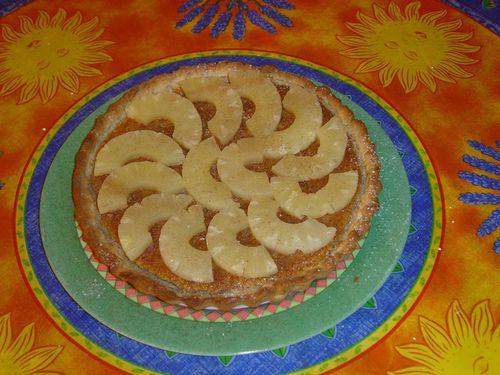 tarte à la crème d'amandes et à l'ananas