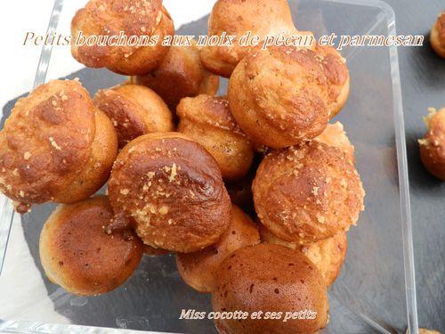petits-bouchons-aux-noix-de-pecan-et-parmesan.jpg
