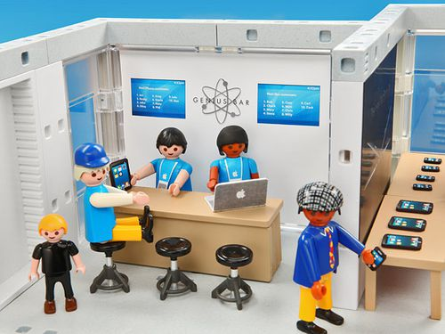 playmobil-apple-store-playset-04