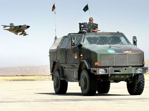 Dingo 2 wheeled armoured vehicle personnel carrier-copie-1