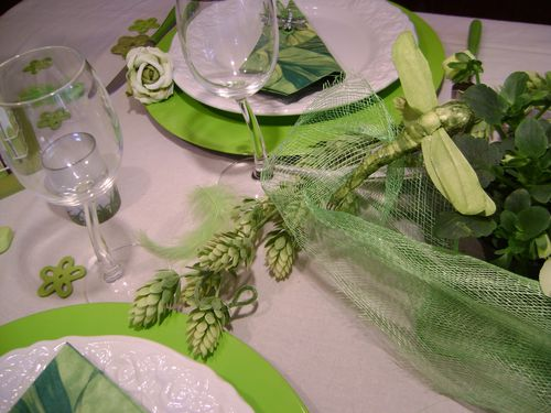 table-printemps-vert-et-blanc-017.jpg