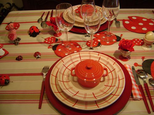 collections-grenouilles-dehors--renard--table-pois-copie-2.jpg